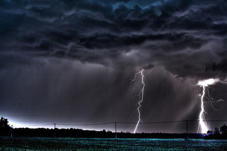 Lightning and Thunder Pictures Collection | Incredible Snaps | Lightning | Scoop.it