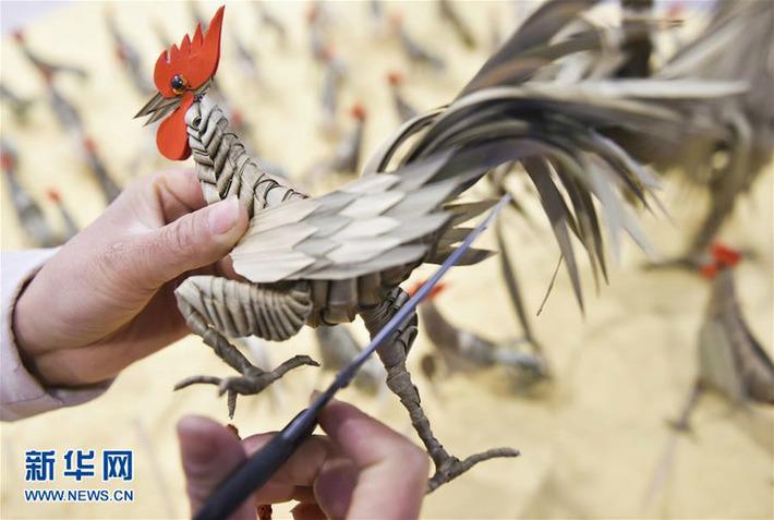 Luoyang : cent coqs tressés avec des feuilles du palmier pour accueillir le Nouvel An chinois | French China | Kiosque du monde : Asie | Scoop.it