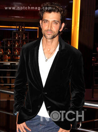 Hrithik Roshan Seeks Medical Tips From Fans On Twitter | Bollywood Celebrities News, Photos and Gossips | Scoop.it