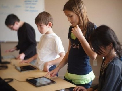 iPads in the Classroom: The Right Questions You Should Ask | Edudemic | iPads edu | Scoop.it