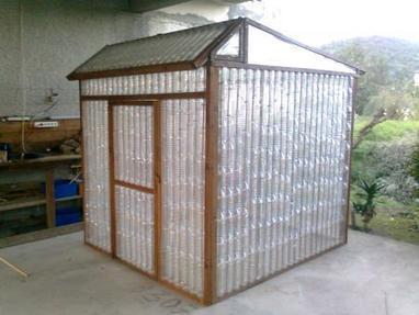 plastic bottle greenhouse upcycled garden sty. Black Bedroom Furniture Sets. Home Design Ideas