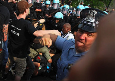PDN Pulse » Blog Archive » Police Brutality? Pictures Tell a More Complicated Story   Visual Culture and Communication   Scoop.it