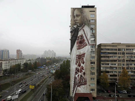 Guido Van Helten's Giant Murals Feature East-European Textile Patterns | Culture and Fun - Art | Scoop.it