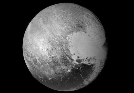 Nouvelle image à haute résolution du globe de Pluton   pixels and pictures   Scoop.it