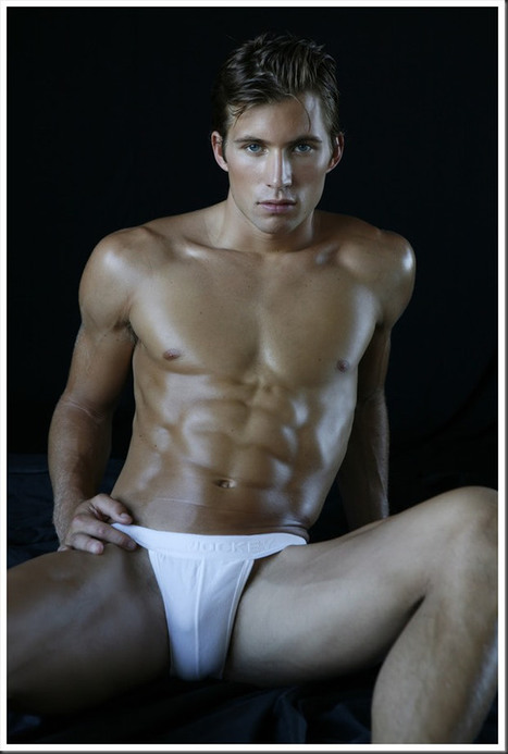 THE HOT HUNK - JUSTIN DEELEY BY MICHAEL DAR   JIMIPARADISE!   Scoop.it