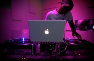 Your Questions: Why Does Everyone Use Macs For DJing? | DJing | Scoop.it