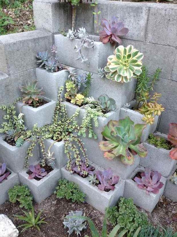 Jardinière en béton DIY en parpaings pour les plantes grasses | La Revue de Technitoit | Scoop.it