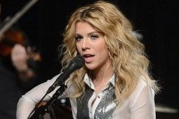 Marriage and Babies Not on Kimberly Perry's Radar | Chummaa...therinjuppome! | Scoop.it