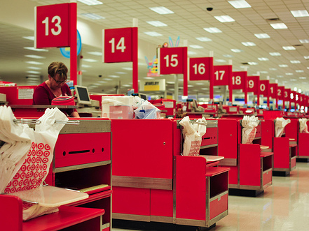 Target Shoppers Show Why Retailers Should Be Investing In Social ... | Social Media and Web Infographics hh | Scoop.it