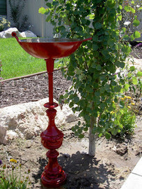Lamp & wok become a bird bath | Upcycled Garden Style | Scoop.it