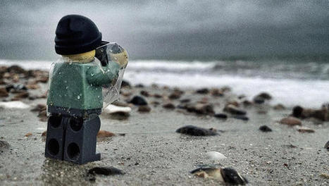 Everything About These Pictures Of A Tiny, Adventurous Lego Photographer is Awesome | Visual & digital texts | Scoop.it