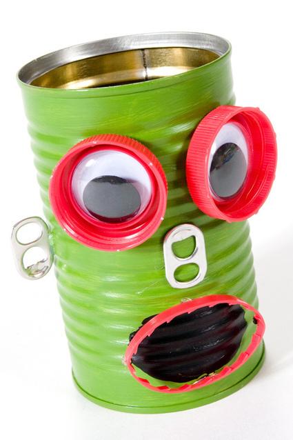 Kids Craft Blog by PlaidOnline.com - Web Wednesday : Robot Pencil Holder | Baúl de una MaMaestra | Scoop.it