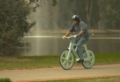 Bicicleta de cartón reciclado, ecológica y barata - Internacional - Perfil.com   Live different taste the difference   Scoop.it