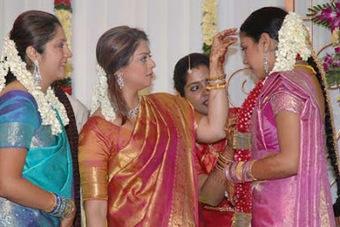 Jyothika Mehndi Ceremony : Jyothika in wedding dresses scoop.it