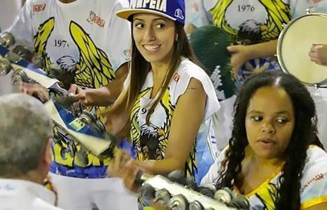 Brésil: les femmes tentent de se faire une place dans les fanfares du carnaval... | A Voice of Our Own | Scoop.it