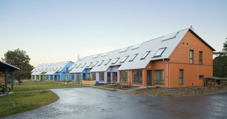 Colorful wind-powered community in Scotland is everything an eco-village should be | Eco Village | Scoop.it