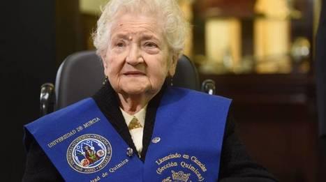 Una murciana de 94 años se licencia 75 años después de empezar la carrera | Sociedad 3.0 | Scoop.it