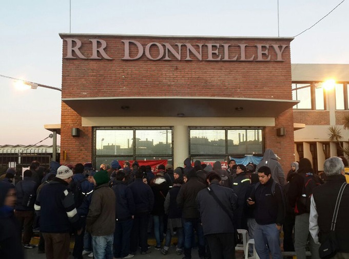 Argentina. RR Donnelley: workers occupied the factory to put it into production against the illegal closure of the multinational company's factory | real utopias | Scoop.it