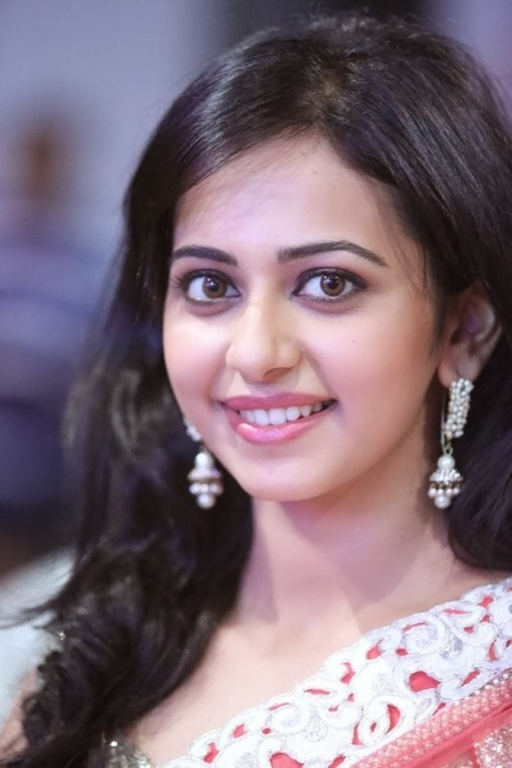 Actress Rakul Preet Singh in Peach Netted Saree at Venkatadri Express Audio Launch, Actress, Bollywood, Indian Fashion, Tollywood | CHICS & FASHION | Scoop.it