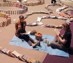 Chaîne de livres en dominos : record battu à la bibliothèque de Seattle   Les bibliothèques et moi   Scoop.it