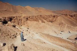 Tombs hidden in Valley of the Kings hold many more Egypt mummy mysteries - NBC News.com | Archaeology News | Scoop.it