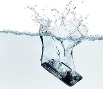 Need real smartphone protection, with out the bulk of the big waterproof cases. Awesome hybrid protection idea!   Hot Technology News   Scoop.it