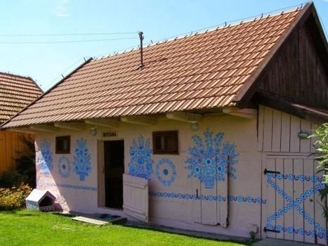 Zalipie – Poland's Fascinating Painted Village | Strange days indeed... | Scoop.it