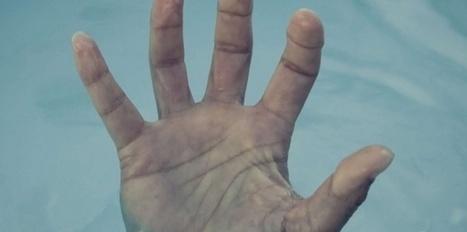 Pourquoi les doigts se fripent dans l'eau ?   Science techno   Scoop.it