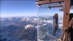 Vertige au dessus des Alpes grâce à une cage de verre made in Champagne   OT et régions touristiques de France   Scoop.it