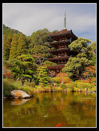 Light Stalking » 31 Gorgeous and Serene Photos of Japanese Temples | Photos | Scoop.it