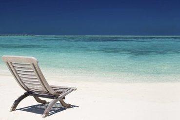 Toujours plus de design et de luxe sur les plages privées françaises | Rémy Zaka | France | Canapé design | Scoop.it