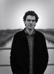 Il faut marcher avec l'auteur - La République Des Livres par Pierre ... | presse-citron | Scoop.it