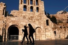 Greeks See Ray of Hope in Tourist Bookings | travelling 2 Greece | Scoop.it