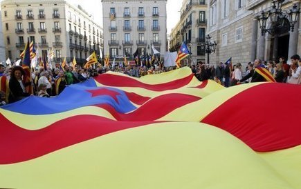 Le peuple est-il en train de se réveiller ? Une ville de la banlieue de Barcelone veut cesser de rembourser les prêts du gouvernement   Une nouvelle économie: nouvelle façon de mesurer & créer la valeur   Scoop.it