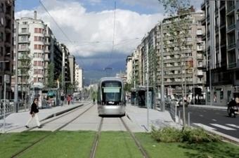 Mobilo'web, un bus multimédia dans les quartiers | Cabinet de curiosités numériques | Scoop.it