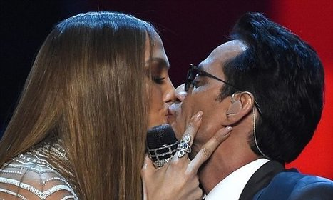 "Jennifer Lopez kisses ex-husband Marc Anthony onstage at Latin Grammys | ""FOLLIEWOOD"" 