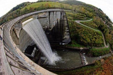 Le gouvernement français va-t-il privatiser les barrages ? - Basta ! | démocratie énergetique | Scoop.it