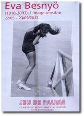 Actu-Poème en regard d'une photo d'Eva Besnyö - La pierre et le sel | Poésie Elémentaire | Scoop.it
