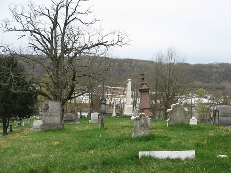 Haunted Cemeteries in West Virginia: The Creepiest Burial Places in the State Revealed [PHOTOS] | Strange days indeed... | Scoop.it