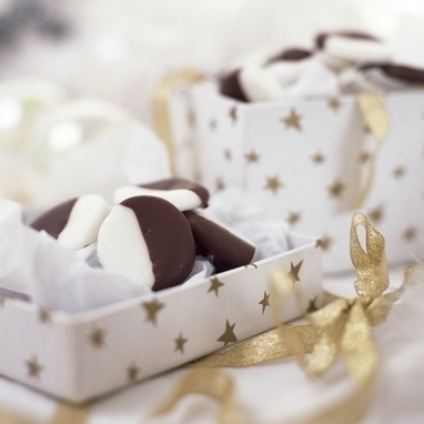 Tasty Christmas gifts: Chocolate peppermint creams recipe | The Chic Chocolate Curator | Scoop.it
