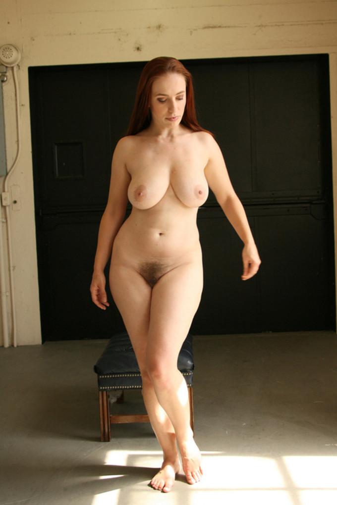 Голая женщина широкие бедра фотографии голых девушек