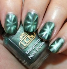 New Nail Polish Trend Alert: Magnetic Lacquer | Ultratress | Scoop.it