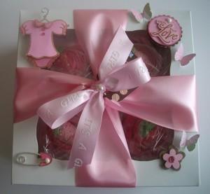 Baby Girl Onesie Cupcake Gift Box | Babies Shower Gifts | Scoop.it