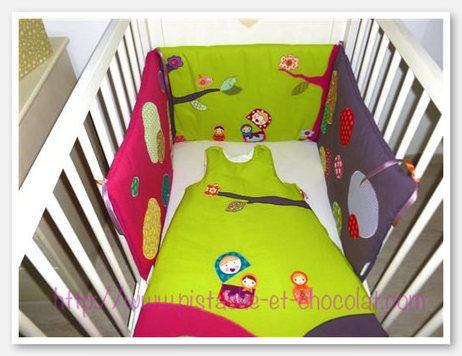 une gigoteuse matriochka et son tour de lit tr. Black Bedroom Furniture Sets. Home Design Ideas
