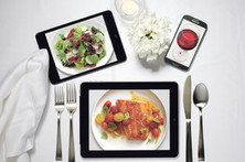 How Mobile Technology is Changing the Way We Dine Out - Wall Street Journal | @FoodMeditations Time | Scoop.it