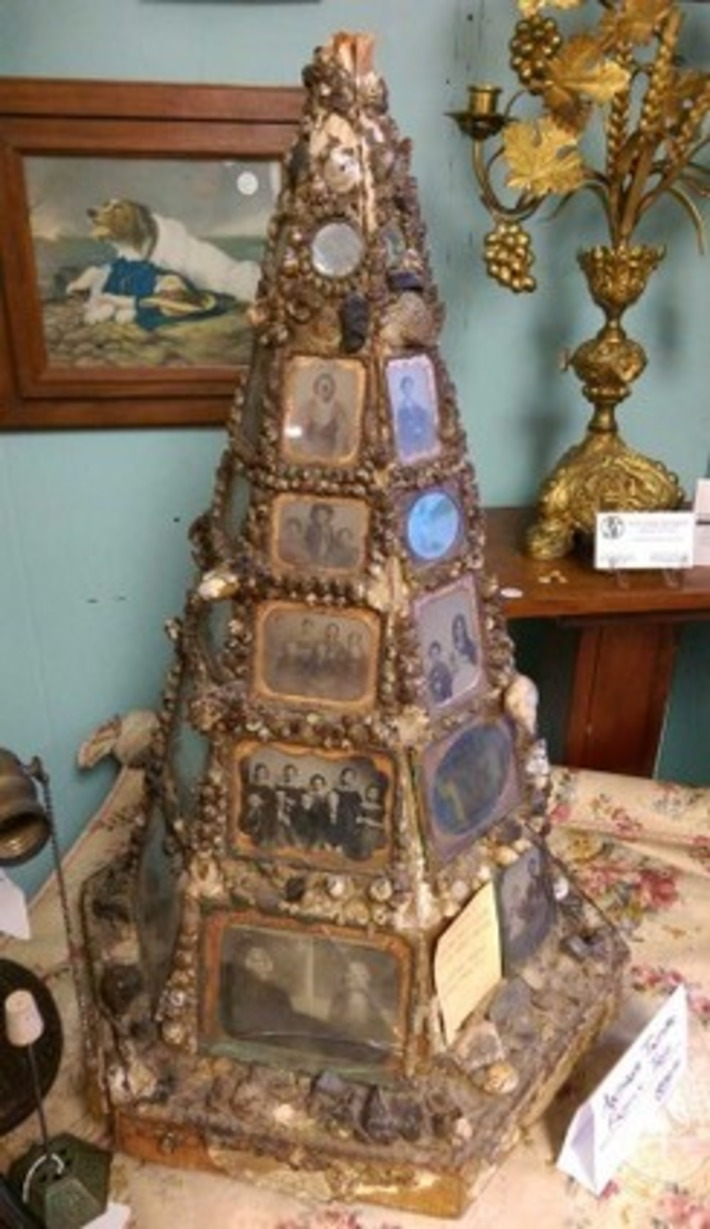 A Rare Antique Folk Art Find: A Family Tree Made Of Tintypes | Antiques & Vintage Collectibles | Scoop.it