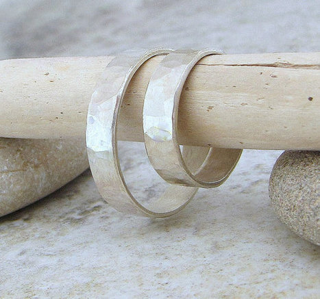 Hammered Silver Wedding Ring Set | Etsymode | Scoop.it