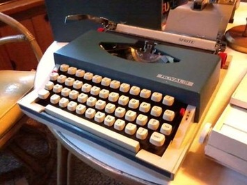 Typewriters Strike The Right Keys With Collectors - Deanna Dahlsad @ CollectorsQuest | Antiques & Vintage Collectibles | Scoop.it
