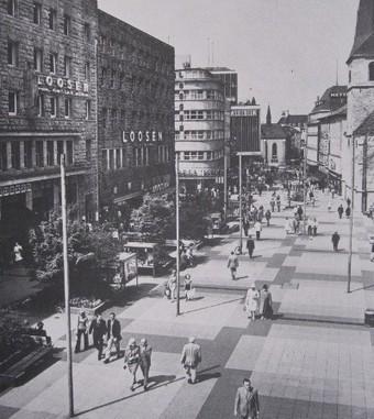 Le piéton, la voiture et la ville - Métropolitiques | Urbanisme | Scoop.it