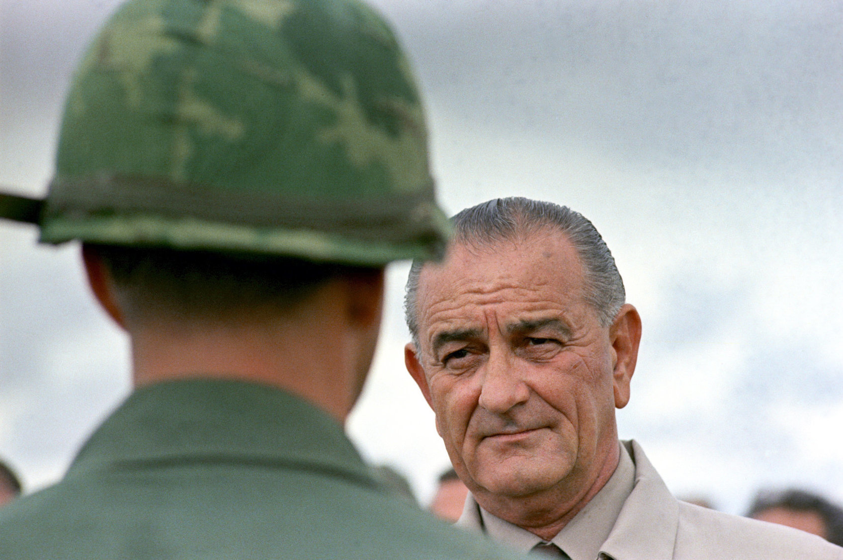 johnson vietnam war Lyndon baines johnson (/ˈlɪndən ˈbeɪnz ˈdʒɒnsən/ august 27, 1908 – january 22, 1973), often referred to as lbj, was the 36th president of the united states (1963–1969), a position he assumed after his service as the 37th vice president of the united states(1961–1963.